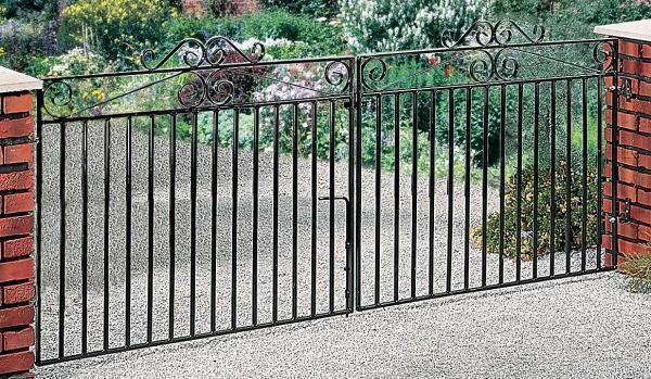 Marlborough Wrought Iron Style Metal Driveway Gates